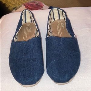 TOMS Majolica BLUE HERITAGE CANVAS.  Wrote on box.